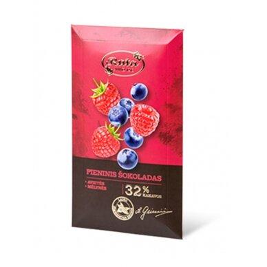 """Rūta """"Pieninis šokoladas 32 % su avietėmis ir mėlynėmis"""" 90g."""